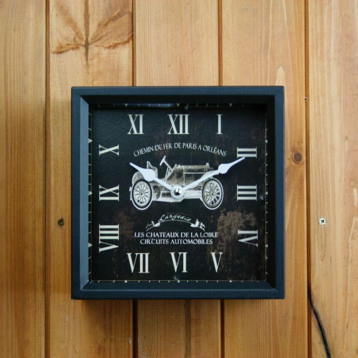Nástěnné kovové hodiny Veteran