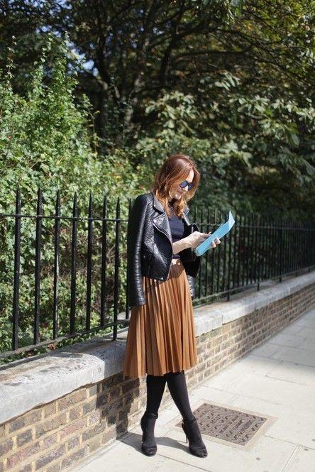 キャメルのスカートに合わせて甘辛MIX♡ 人気のおすすめライダースジャケット一覧。レディースファッションまとめ。