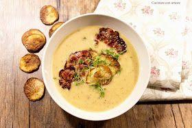 Recept na tuhle absolutně skvělou podzimní polévku mám z časopisu Apetit a je prostě naprosto skvělá!!! Sytá, podzimní dobrota na víkendové ...