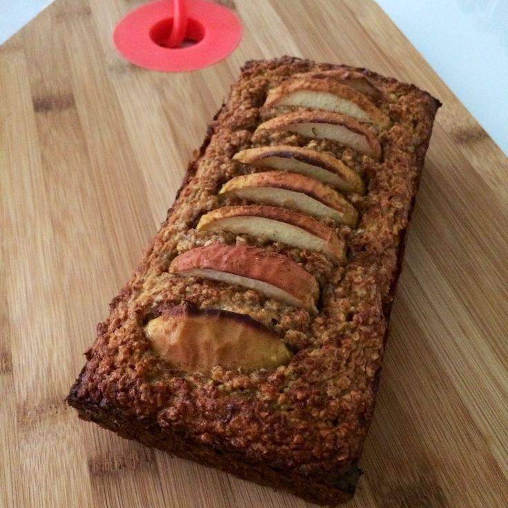 Ik bakte allereerst deze healthy ontbijtcake met banaan, havermout en appel. Super gezond dus en een goede start van het nieuwe jaar.