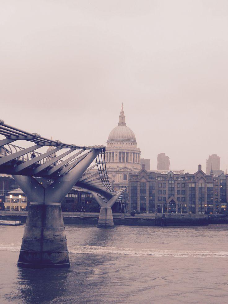 Millennium bridge - London #trainthetripperintoyou