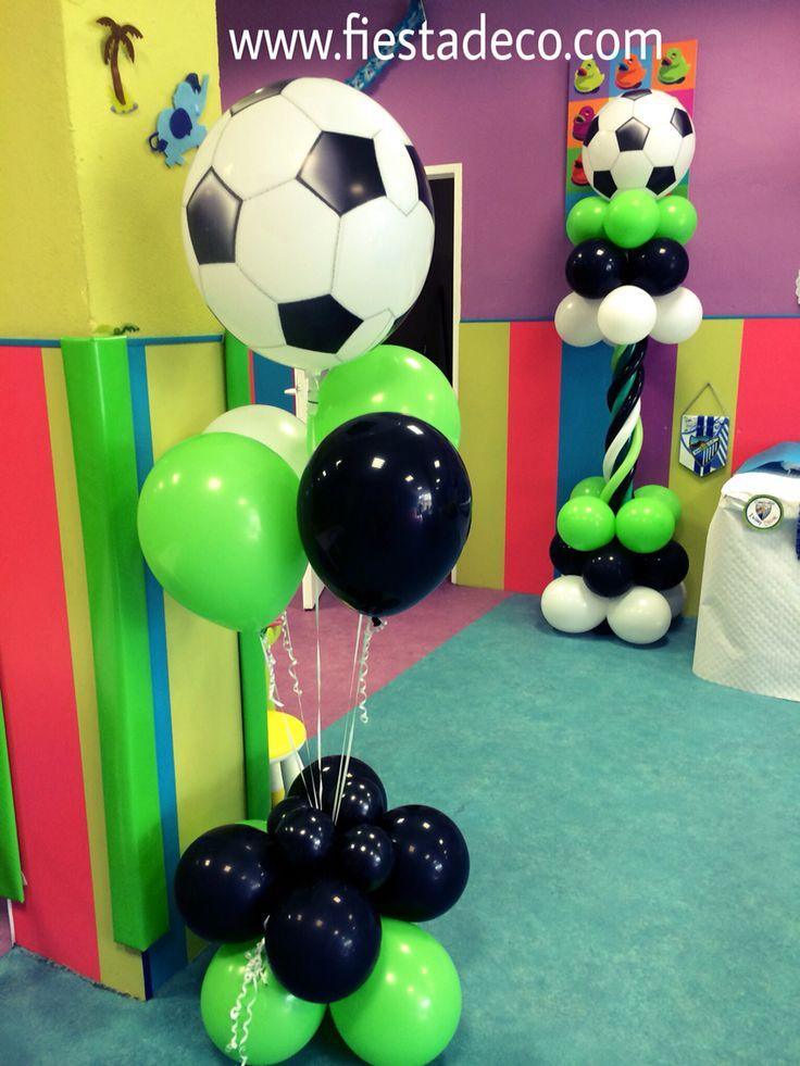 Decoración con globos fútbol by fiestadeco.com