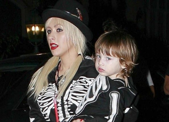 3qioFhpCqeMl Christina Aguilera Net Worth #ChristinaAguileraNetWorth #ChristinaAguilera #gossipmagazines