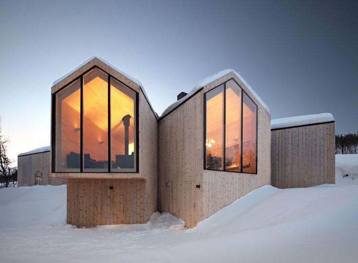 reiulf ramstad arkitekter elevates split view mountain lodge - designboom | architecture