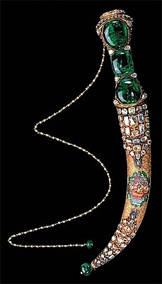 Emerald and Diamond Decorated Dagger Handle and Sheath - 1747 - gift from Ottoman Padishah Mahmud the First  to Nadir Shah of Iran - by the foremost jewelers of Istanbul, having provided all the stones necessary from the Treasury - Topkapi Palace, Istanbul