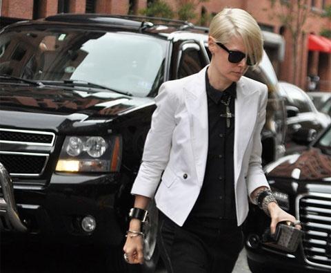 @flossa perfect being: Light Pink Blazers, White Blazers, Fashion Style, White Fashion, Black And White, Black White, Blazers Fashion, White Inspiration, Fashion Lifestyle