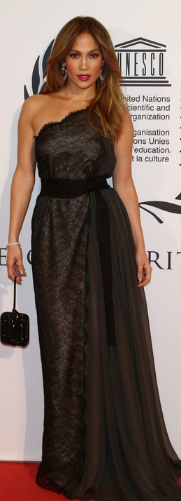 Who made  Jennifer Lopez's black one shoulder lace gown that she wore on October 27, 2012?