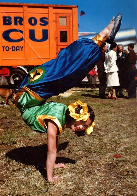 circus girl w hair flowers: Circus Costume, Vintage Photographers, Colour Photographers, Circus Performing, Vintage Circus, Vintage Color, Old Photo, 1940S 1950S, Circus Girls