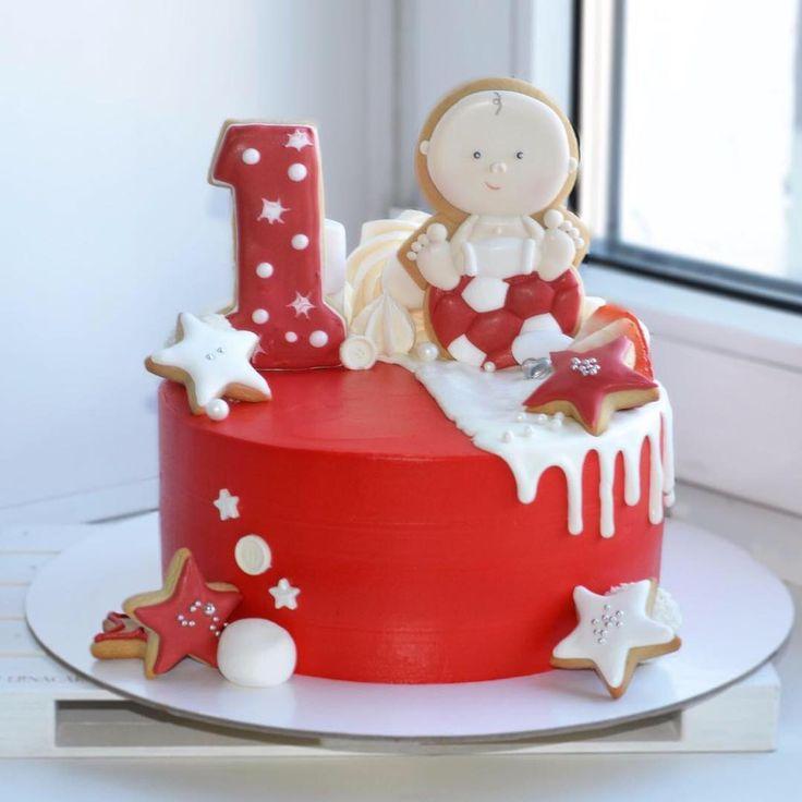 212 отметок «Нравится», 6 комментариев — Елена (@lenacake_khv) в Instagram: «Ещё один красненький с пупсиком на годовасие ☀️ внутри ванильный тортик с клубничным конфи и свежей…»