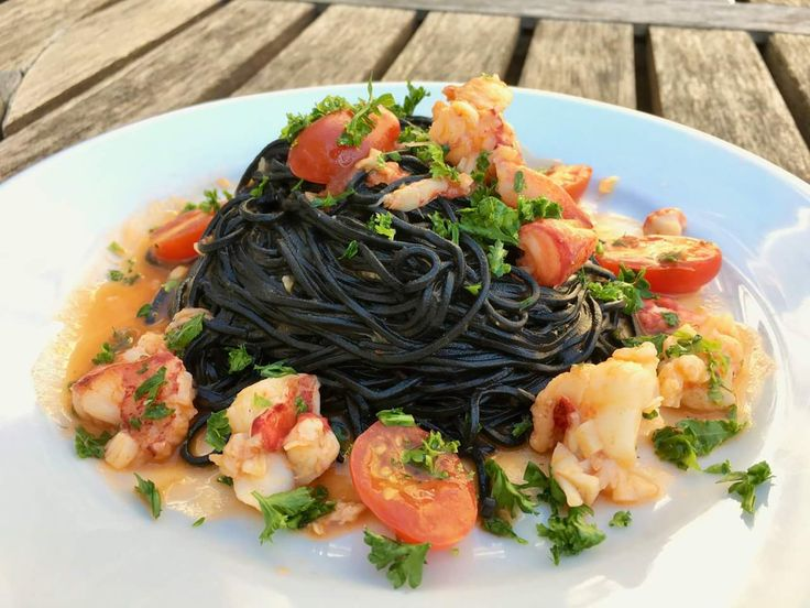 [Homemade] Squid ink spaghetti made from scratch with lobster