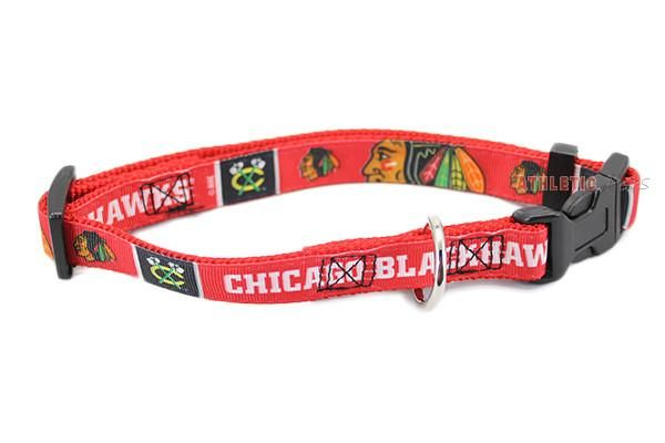 This officially licensed NHL Chicago Blackhawks premium dog collar is made of woven ribbon sewn on high tensile webbing and includes a plastic quick-release fas