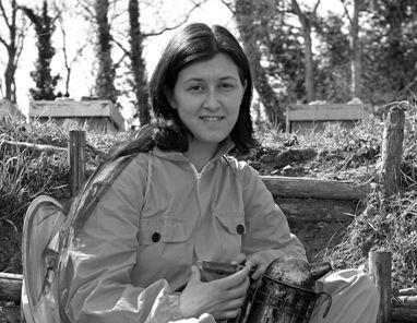 Serena Alunni, apicoltrice nelle Marche