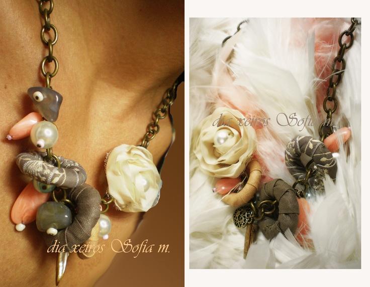 Au12.402 necklace