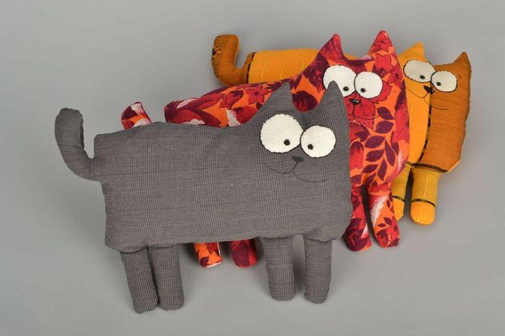 Kuscheltiere - Kuscheltier Kissen Katze (28 x 38 cm)  - ein Designerstück von Spielstaedtchen bei DaWanda 15 €