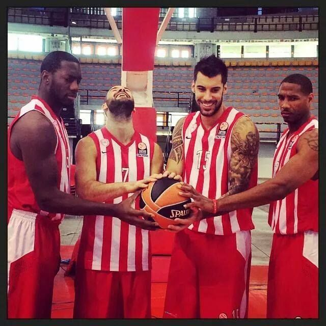 olympiakos players