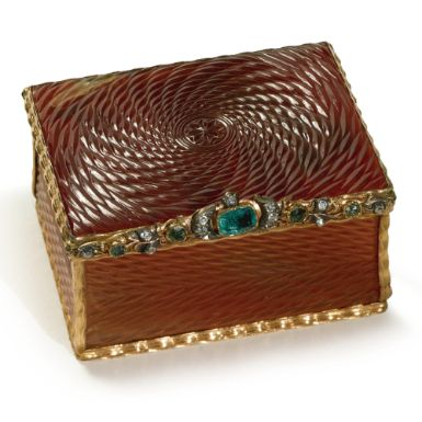 A German jewel-set gold and carnelian snuff box, circa 1750 - Sothebys