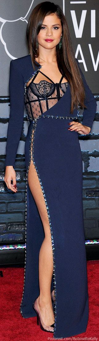Selena Gomez, Versace- obsessed with this dress