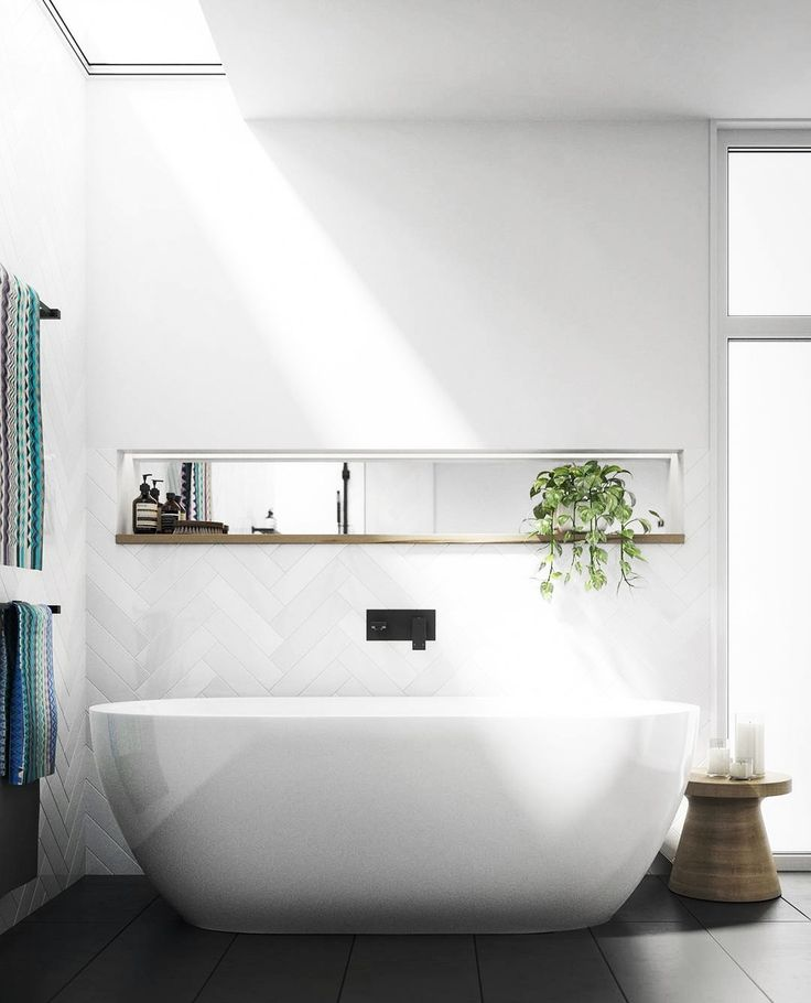 Sky light feature & free standing bath tub with #MeirBlack. Happy Saturday from the Meir team! . #meir #meiraustralia