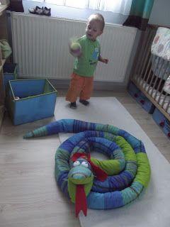 anya napjai: SSSSZZZZZZZZZZZZZ- Kígyó ágyvédő Big snake for my son