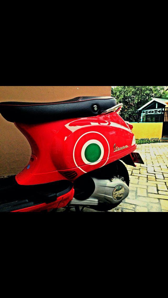 Vespa S Red