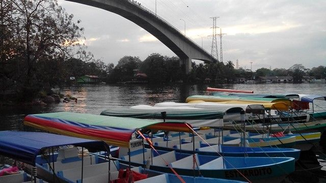 Puente rio dulce livinstong izabal viernes 20 de marzo 2015.