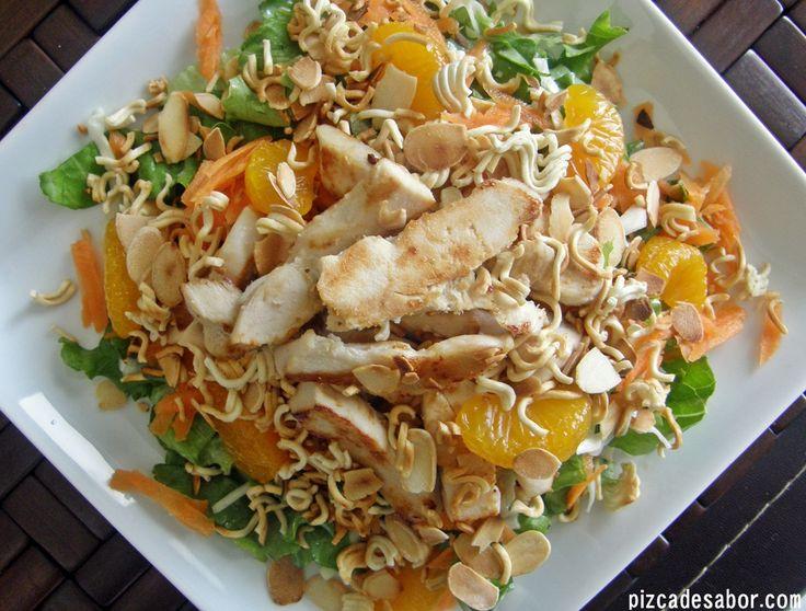 Ensalada oriental con pollo + aderezo oriental
