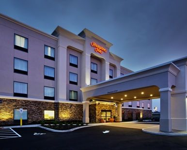 Hampton Inn Niagara Falls Blvd Hotel, NY - Exterior of Hotel at Night