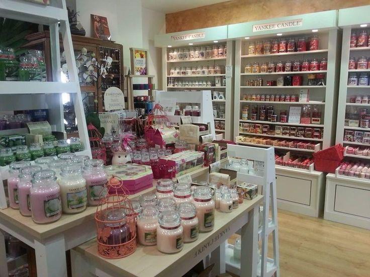 http://www.homefavour.com/category/Yankee-Candle/ SHOPING - Où trouver des Yankee Candle à Paris : les bonnes adresses .