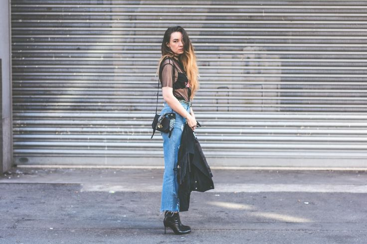 BELIEVE top ripped jeans street style