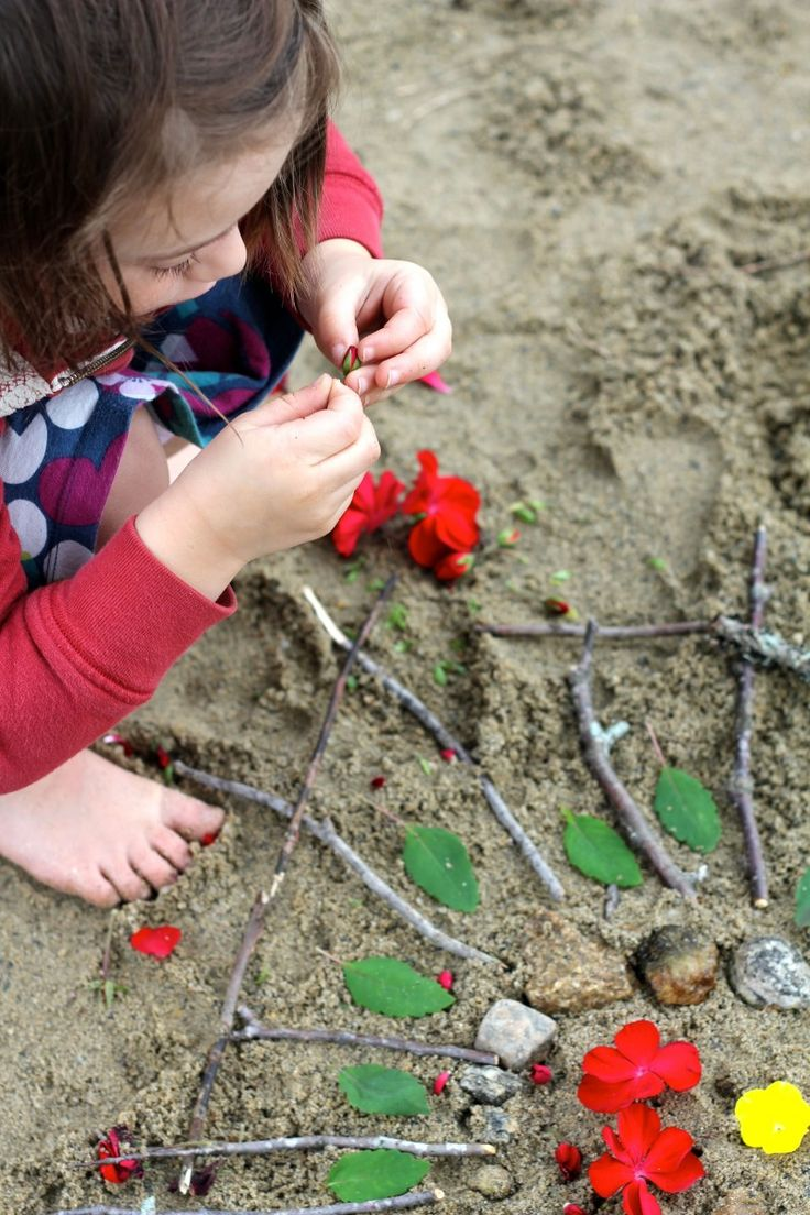 Crafting with Nature - How to make a Beach Mandala - great craft for kids of all ages.