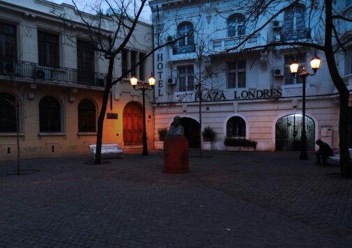"""""""Plaza de londres"""" Santiago,  Chile."""