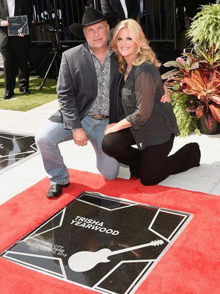 Garth brooks and trisha yearwood receive stars on the for Garth brooks trisha yearwood songs