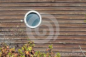 Resultado de imagen para casas con ventana circular