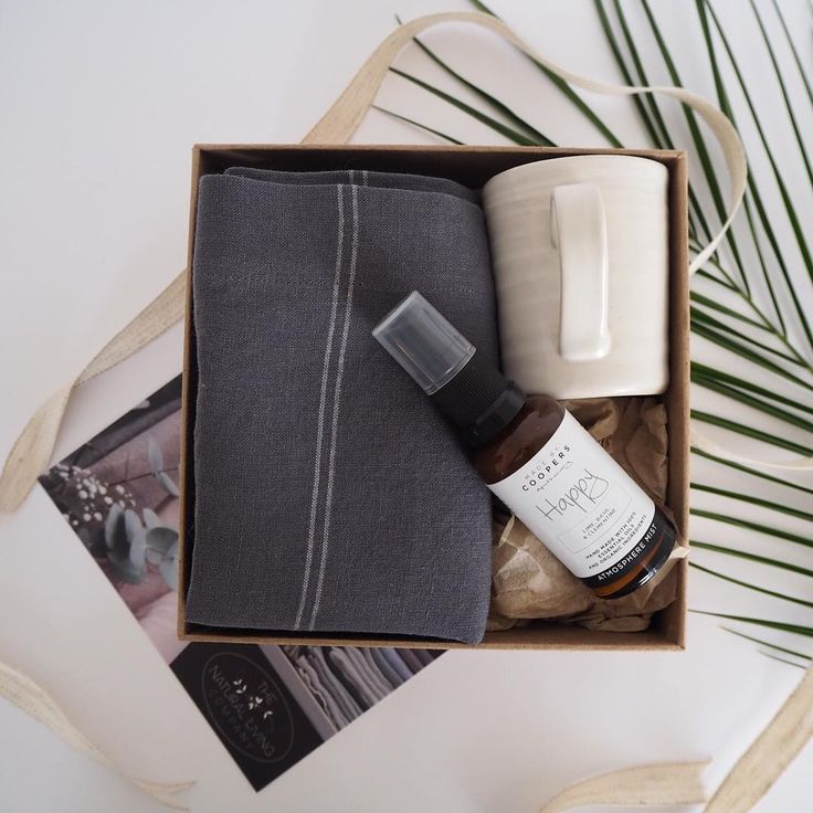 One of my absolute favourite gift boxes named the Kitchen Gift Box  You definitely get to an age where buying for your home is much nicer than buying for yourself #nestingseason #naturallivingco #zerowaste #saynotoplastic #protecttheplastic #ethicalgifting #ecogifting #sustainability #ecofriendly #protecttheplanet #preservingbeauty