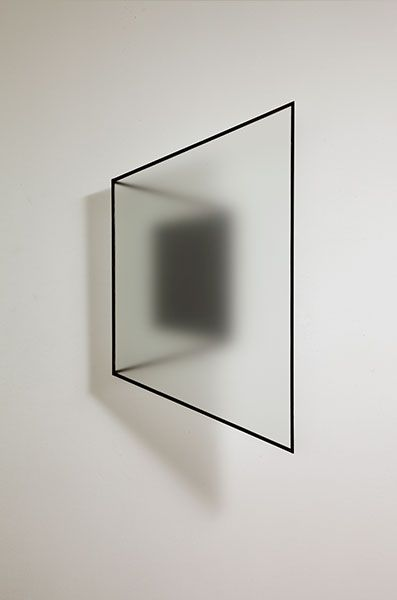 Reinoud Oudshoorn, Untitled. 2012, frosted glass and iron, 80x45x25cm