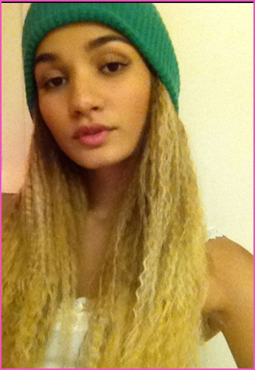 Who wore crimped hair best? Bella Thorne or Pia Mia?