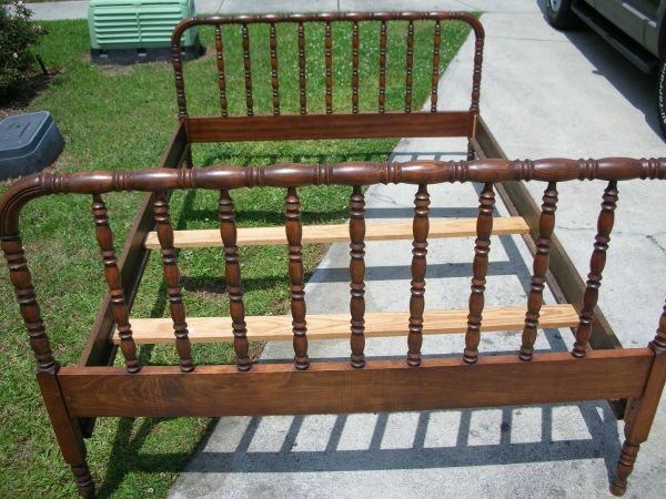 spindle full bed $125