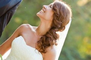 how to wear a veil with hair to the side - Google Search