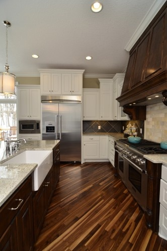 love the wood floor: Dreams Kitchens, Dreams Houses, Idea, Cabinets Colors, Traditional Kitchens, Dark Cabinets, Hardwood Floors, White Cabinets, Kitchens Cabinets