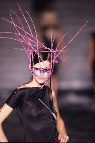 ⍙ Pour la Tête ⍙ hats, couture headpieces and head art - MCQUEEN '97