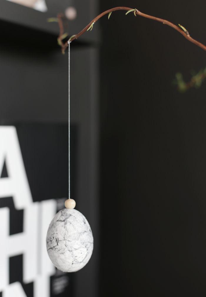 DIY Marble Easter Eggs | Stylizimo Blog