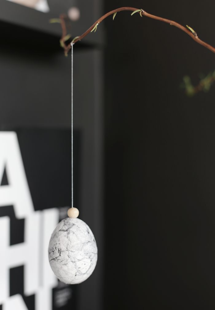 DIY Marble Easter Eggs | Stylizimo Blog