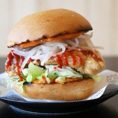 New Opening: Tiger Burger - The famed fusion burger purveyors have opened up permanent shop in the Grey Lynn shops.
