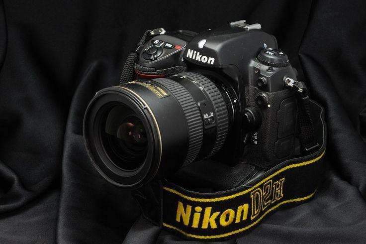 Nikon D2H - 2003