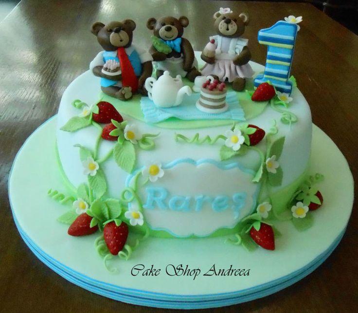 Three teddy bear picnic - Cake by lizzy puscasu