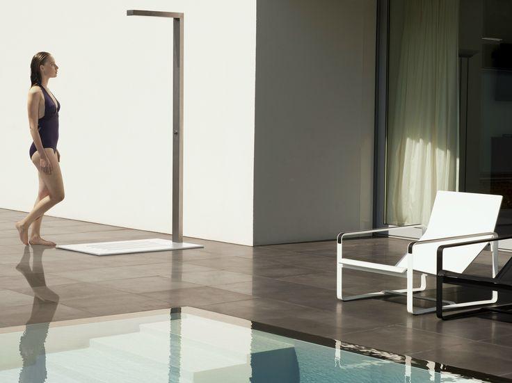 Chuveiro de exterior de aço inox SHOWER by TRIBÙ design Nathalie Timmermans