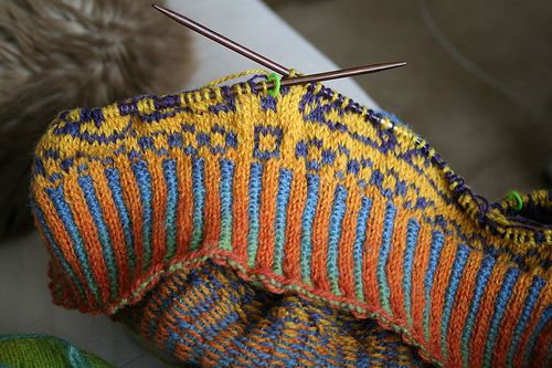 gosh, this is so pretty i might have to find an excuse to use it. i had never heard of corrugated ribbing before!