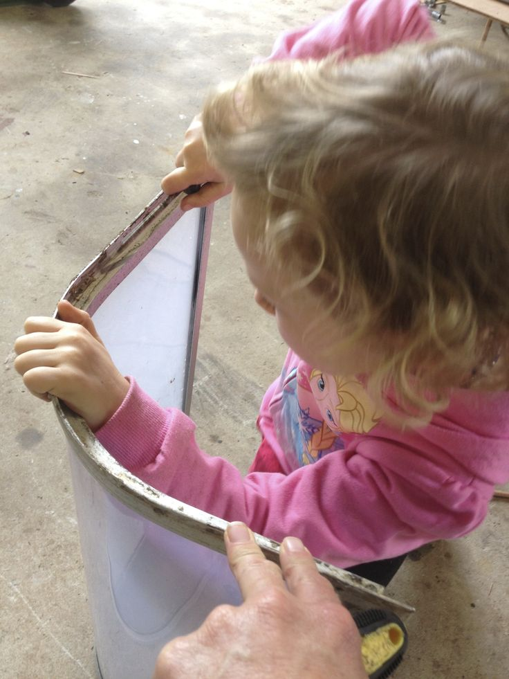 Even my 5 year old got into the renos. Curved corner windows were handled with extra care, as apparently there is only 1 place in Australia that still has a machine to make these… apparently….