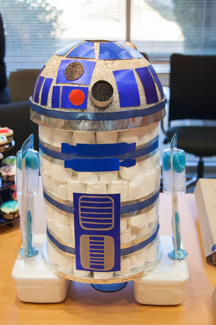 R2D2 diaper cake for Star Wars themed baby shower