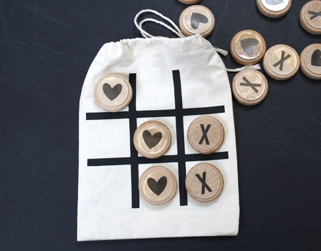 valentines tic tac toe on the go back